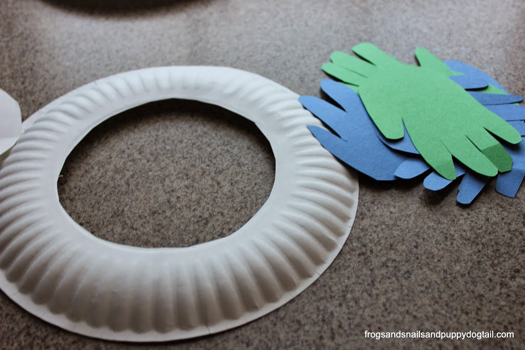 Handprint Wreath for Earth Day-kid craft