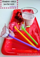 StrawberryVanillaSmoothieRecipeAndSillyStraws