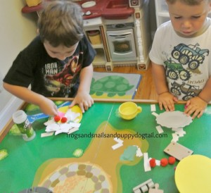 Pretend Play with Foam and Paper Pizza