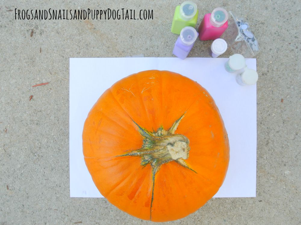 how to make a glitter glue and googly eye pumpkin
