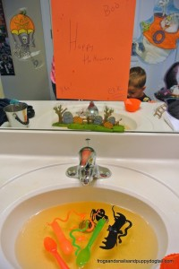 Halloween Sensory Sink- fun hands on play for kids by FSPDT