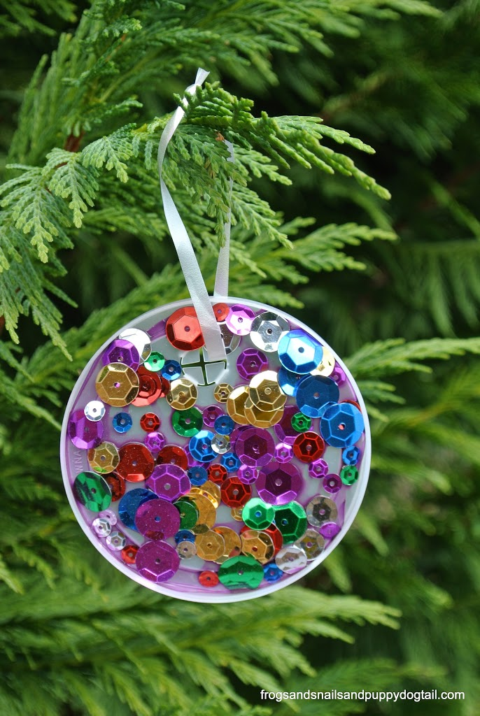 plastic lid christmas ornament perfect for kids to make by fspdt