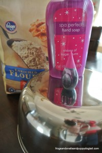 Sugar Plum Crumble Dough Recipe {and pretend play activity} by FSPDT