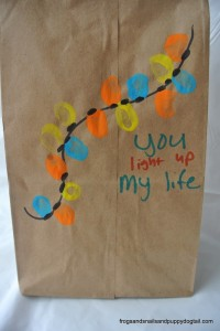 DIY Christmas gift bags kids can make by FSPDT