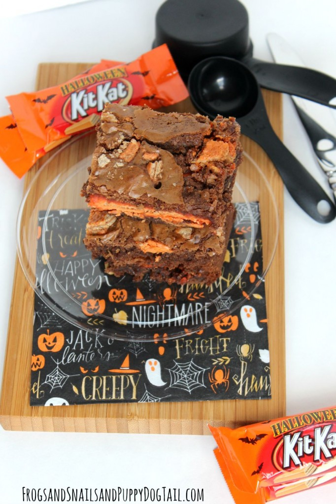 Halloween-Kit-Kat-Brownie-Recipe