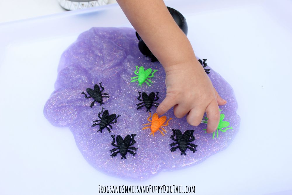 fly slime play idea for Halloween