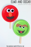 Sesame Street Elmo and Oscar Craft for kids. Paper Plate Puppet Craft.