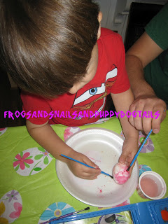 Paint eggs with watercolors