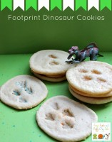 how to make dinosaur footprint cookies