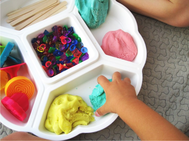 ways to play with playdough for the kids